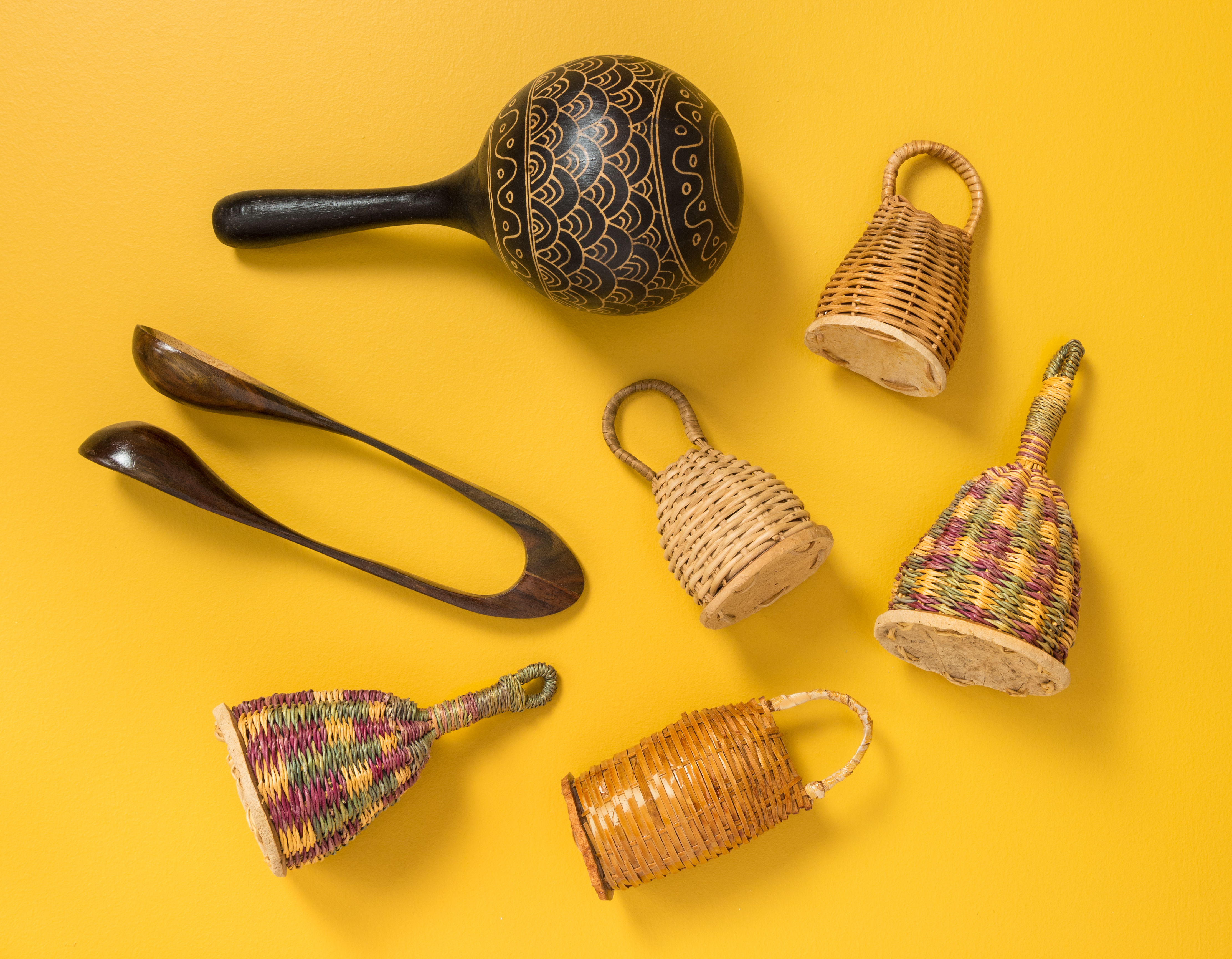 lot instruments africains